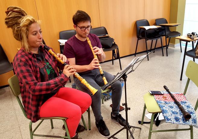 estudiantes del taller de oboe barroco, en las aulas de ensayo del Conjunto Ars Longa